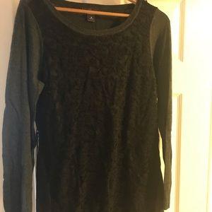Motherhood maternity sweater  (M)
